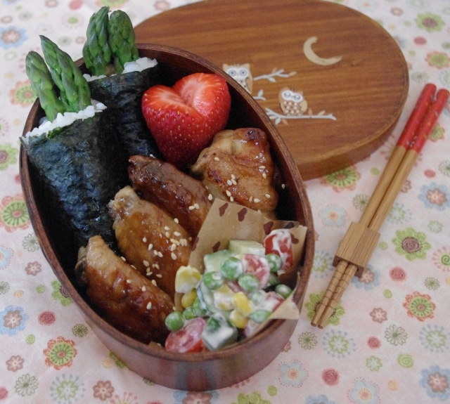 asparagus hand rolls bento
